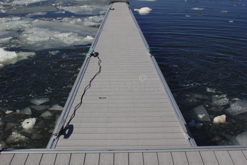 Dock dans le port photo stock