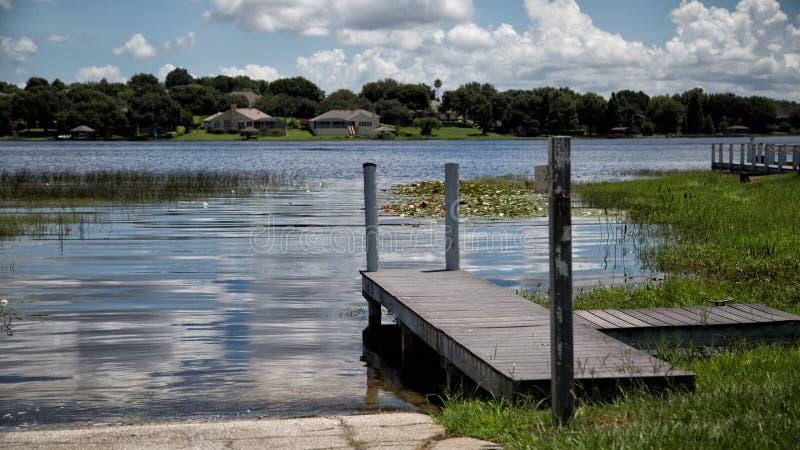 Dock de Crescent Lake Clermont Florida Boat photographie stock