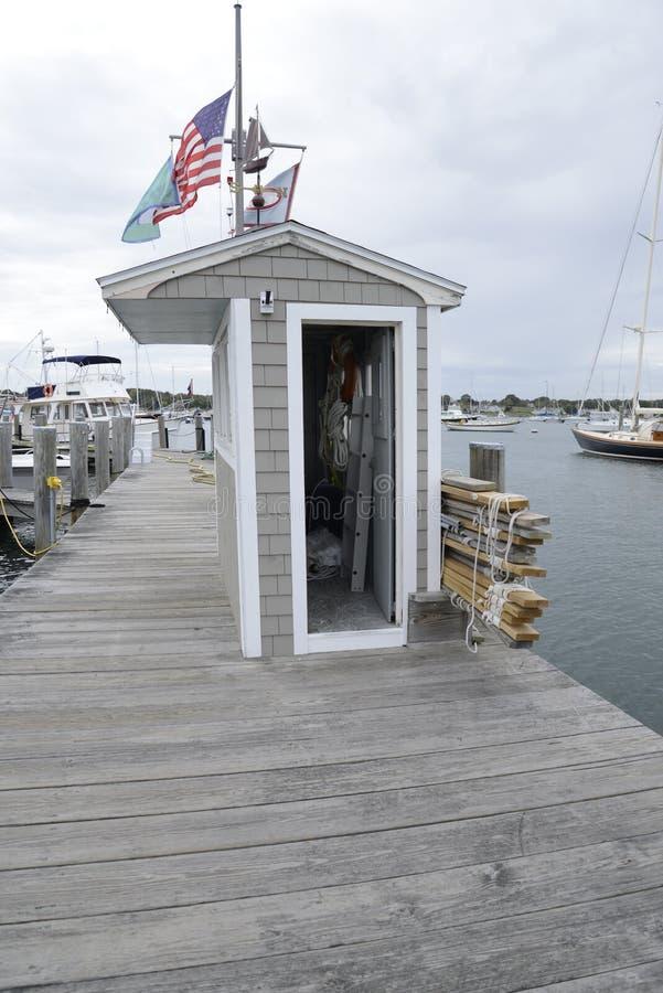 Dock durch den Hafen in Stonington Connecticut stockfotografie