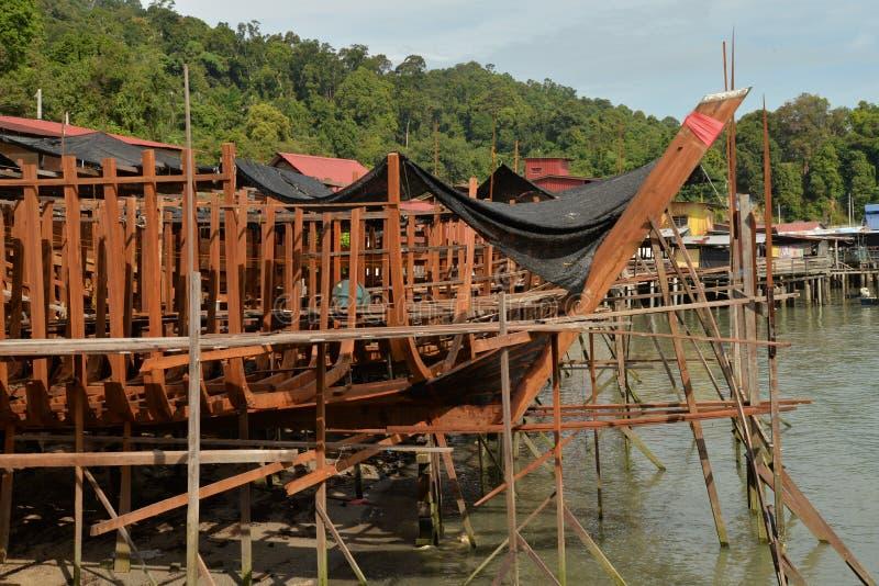 Dock en bois traditionnel de construction navale images libres de droits