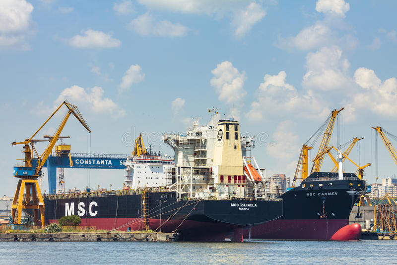 Download Docked Bulk Cargo Ships Editorial Stock Image - Image: 41337249