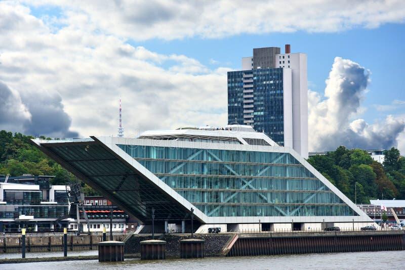 Dockland, costruzione moderna nel porto di Amburgo fotografie stock libere da diritti