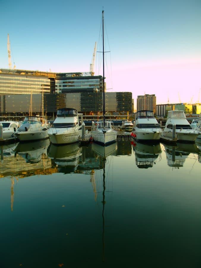 Docklands-Lorimer-Straße Melbourne lizenzfreie stockbilder