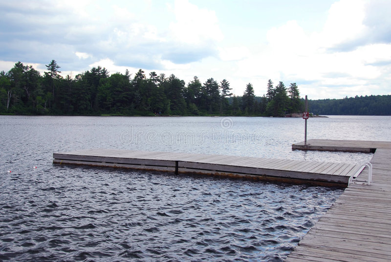 Docks de lac photos libres de droits