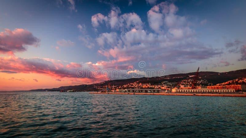 Docks de Trieste photo libre de droits