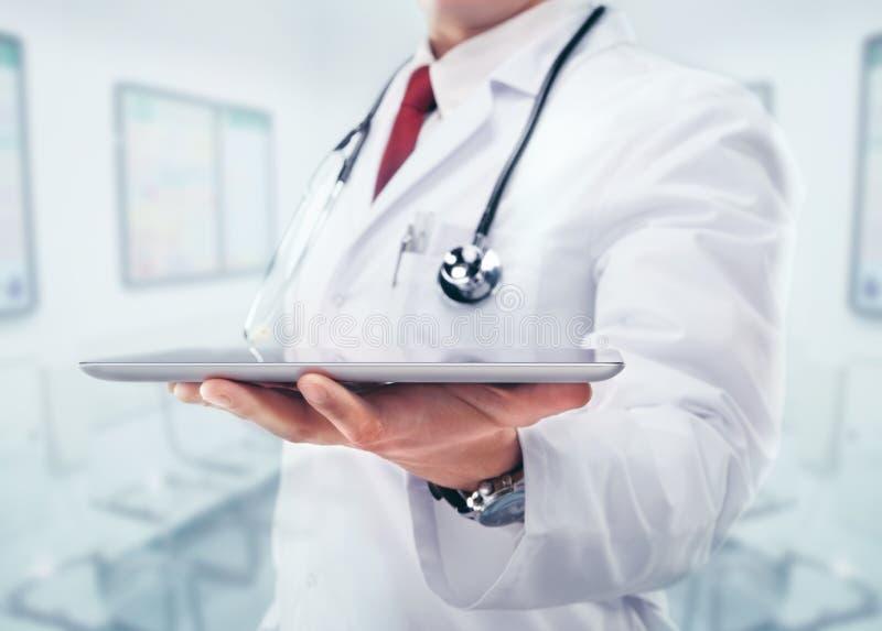 Docteur avec le stéthoscope illustration stock