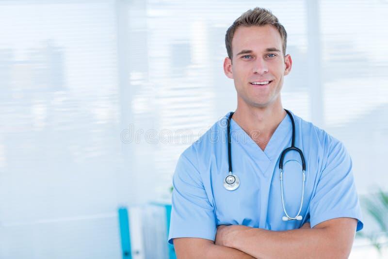 Download Docteur De Sourire Regardant L'appareil-photo Photo stock - Image du jour, médical: 56483988