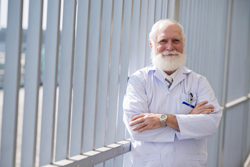 Docteur de sourire sûr images libres de droits