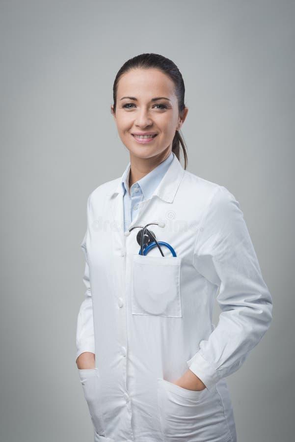 Docteur féminin amical photos stock