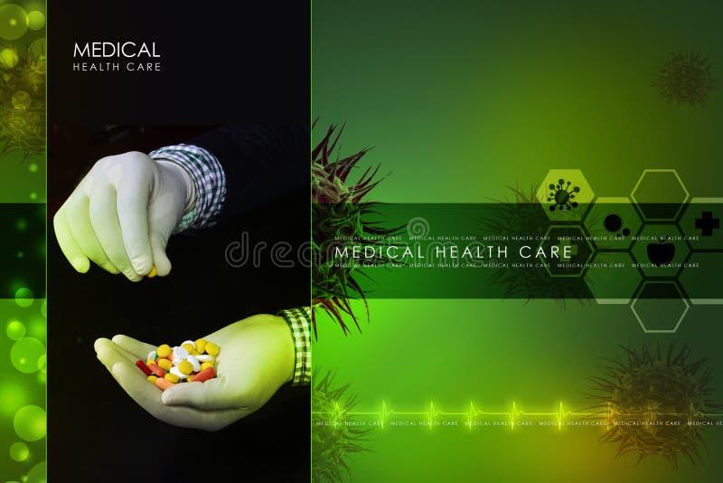 Docteur se tenant dans des pilules de mains photo libre de droits
