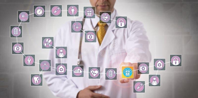 Docteur Touching Data Block dans Blockchain médical images stock