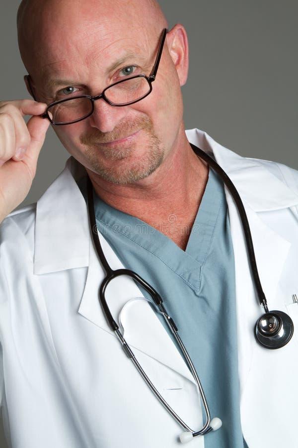 Docteur Wearing Glasses image stock