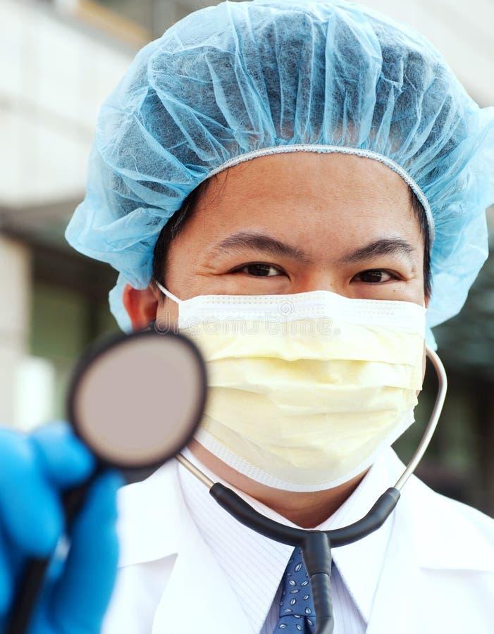 Doctor asiático imagenes de archivo