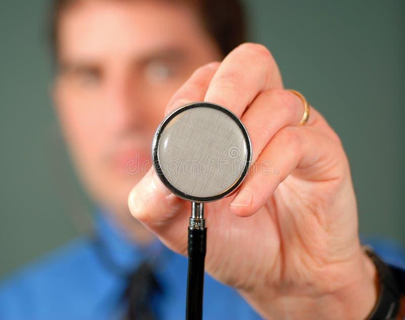 Doctor con el estetoscopio, DOF bajo fotos de archivo libres de regalías