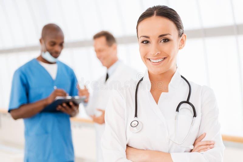 Doctor de sexo femenino confidente fotos de archivo