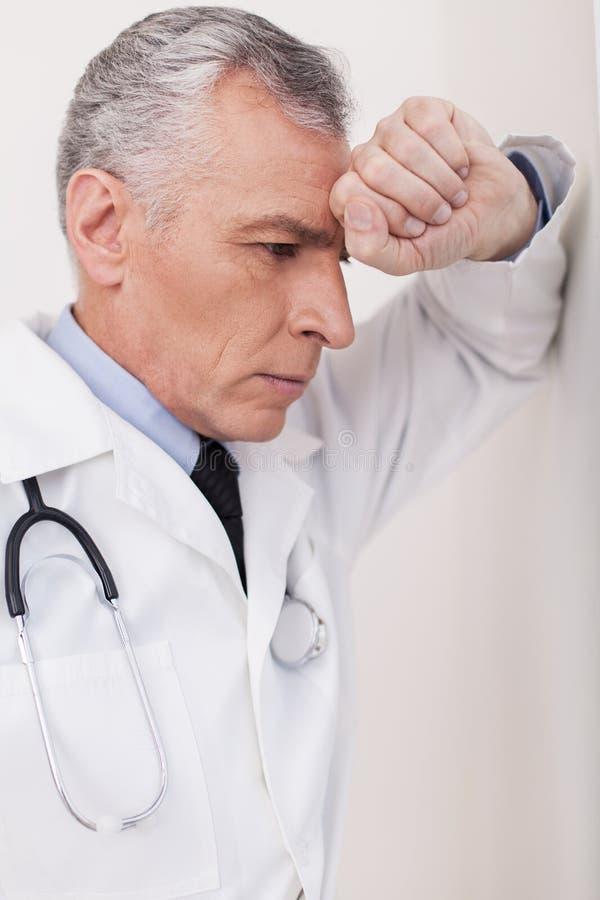 Doctor deprimido. foto de archivo libre de regalías