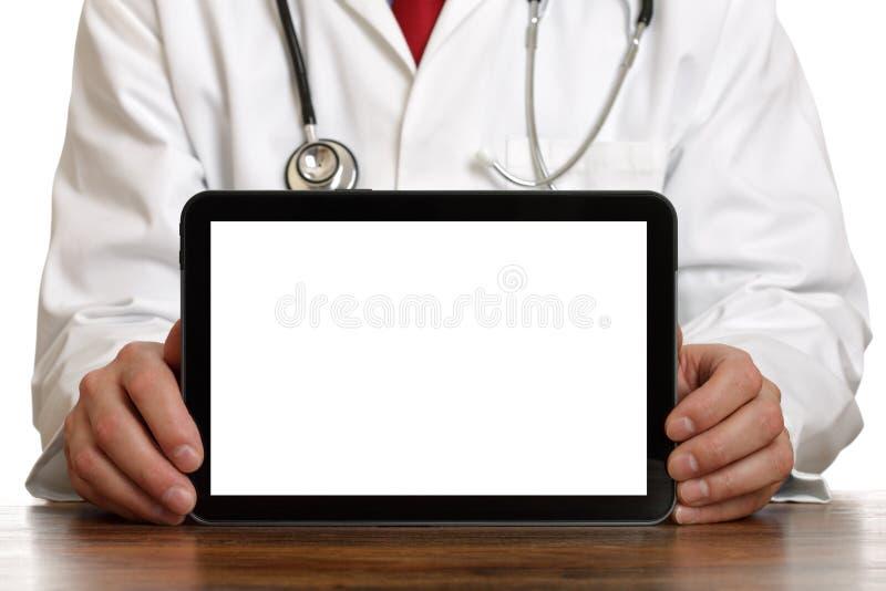 Doctor que muestra la tablilla digital imagen de archivo