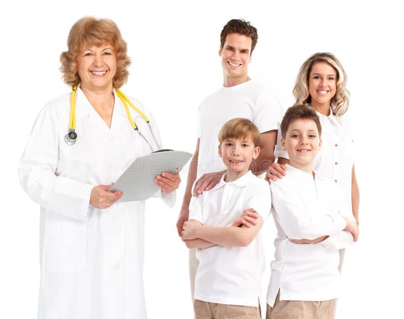 Doctor y familia fotografía de archivo libre de regalías
