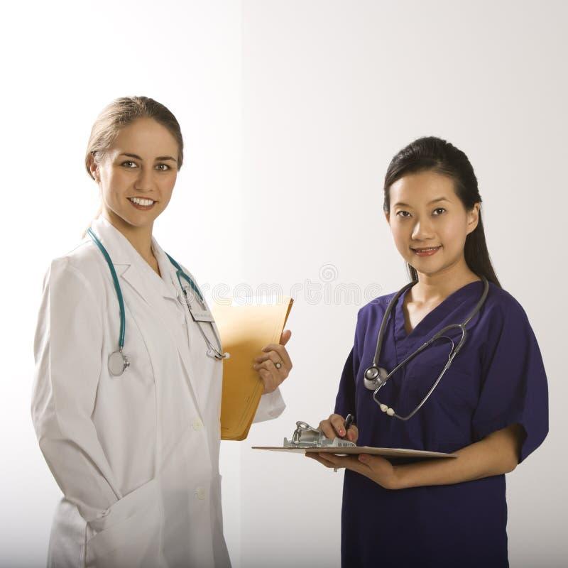 doctors kvinnlign royaltyfria bilder