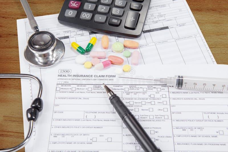 Document aan ziektekostenverzekeringeis royalty-vrije stock foto