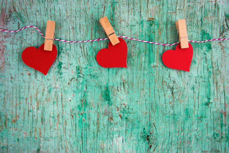 document harten die op een koordlijn hangen royalty-vrije stock foto's
