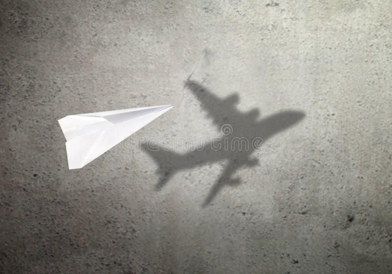 Document het concept van de vliegtuigschaduw stock foto
