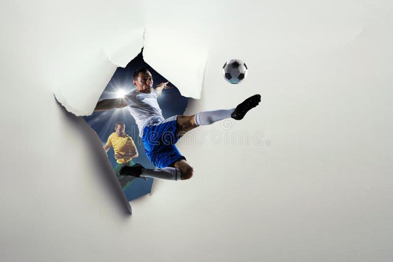 Document het effect en de voetballers van het doorbraakgat Gemengde media royalty-vrije stock foto