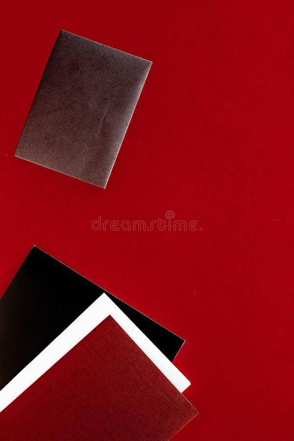 Document kantoorbehoeften voor ontwerp en het brandmerken, flatlay model stock fotografie