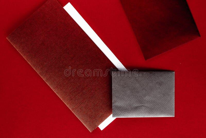 Document kantoorbehoeften voor ontwerp en het brandmerken, flatlay model stock foto