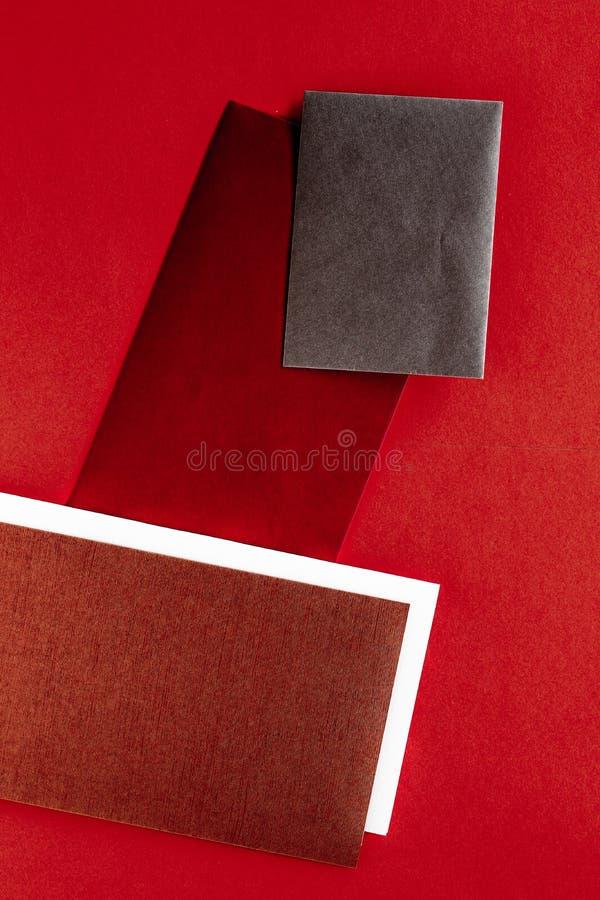 Document kantoorbehoeften voor ontwerp en het brandmerken, flatlay model royalty-vrije stock foto