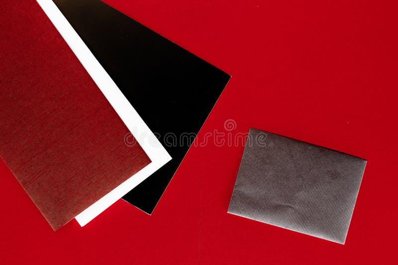 Document kantoorbehoeften voor ontwerp en het brandmerken, flatlay model stock afbeelding