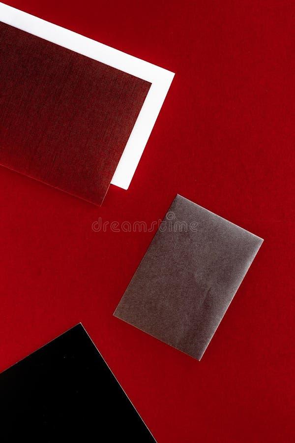 Document kantoorbehoeften voor ontwerp en het brandmerken, flatlay model royalty-vrije stock foto's