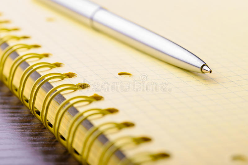 Document notitieboekje met pen royalty-vrije stock foto's