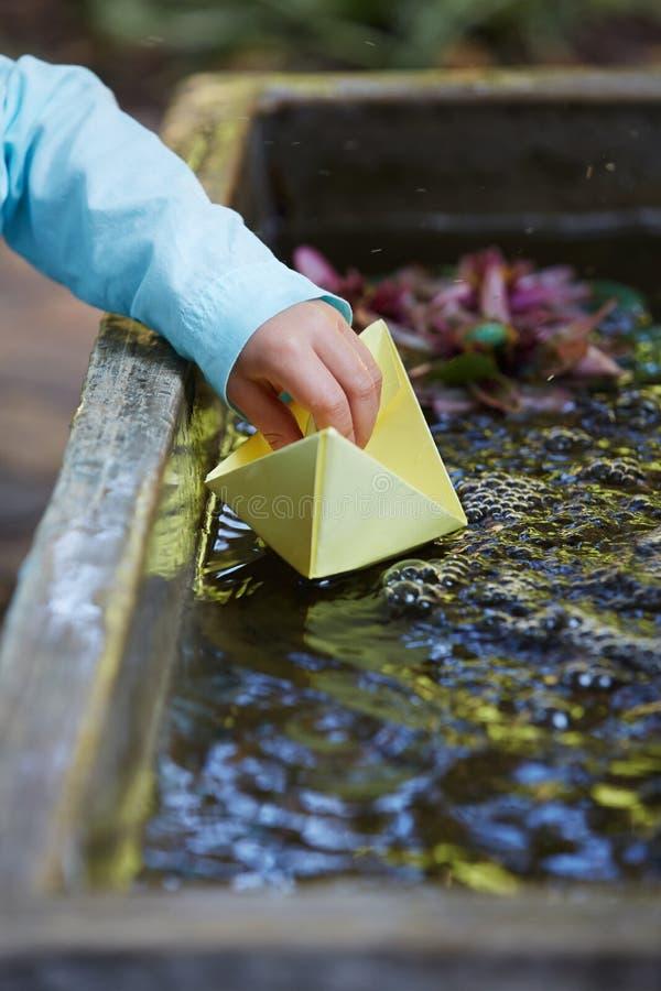 Document origamiboot royalty-vrije stock fotografie