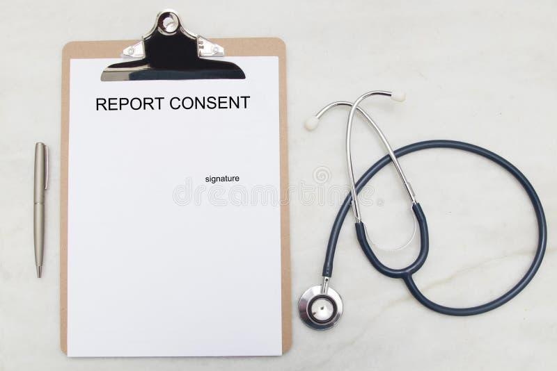 Document pour signer l'autorisation médicale photos libres de droits