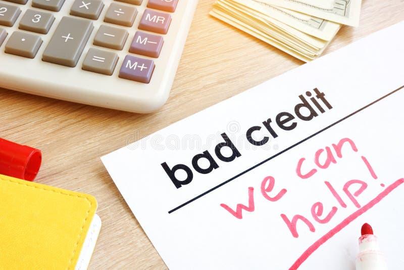 Document slecht krediet met teken kunnen wij helpen royalty-vrije stock foto