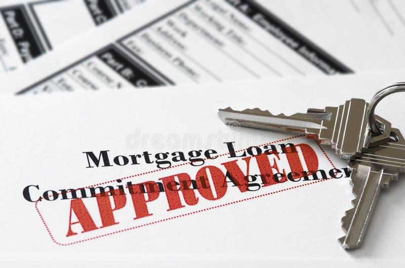 Documento aprobado del préstamo de la hipoteca de propiedades inmobiliarias fotos de archivo
