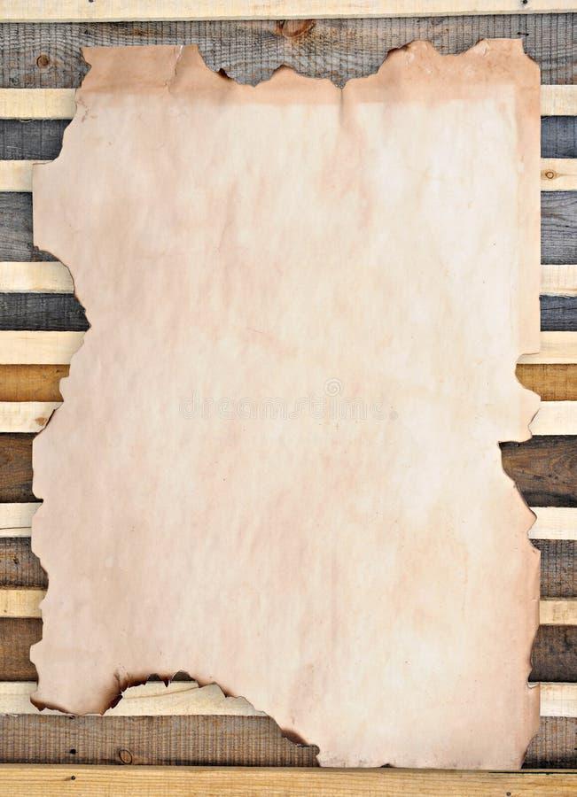Documento bruciato orlato immagine stock