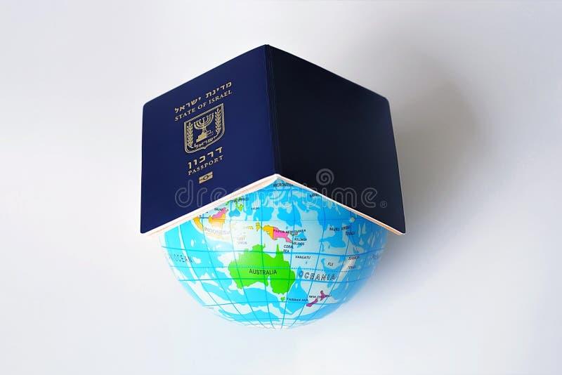 Documento de la identificación del viaje internacional fotografía de archivo libre de regalías