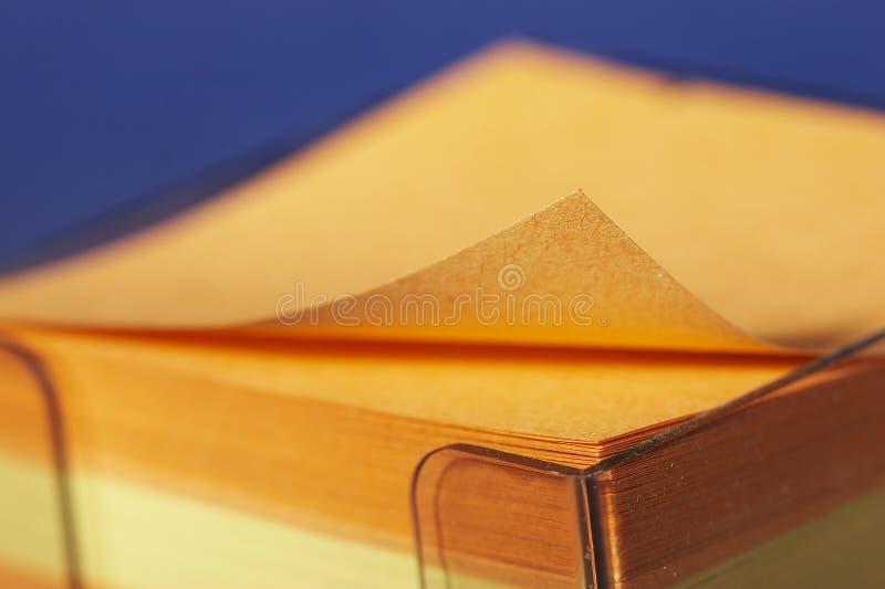 Documento di nota colorato fotografia stock libera da diritti