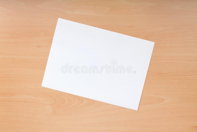Papel en blanco imagenes de archivo