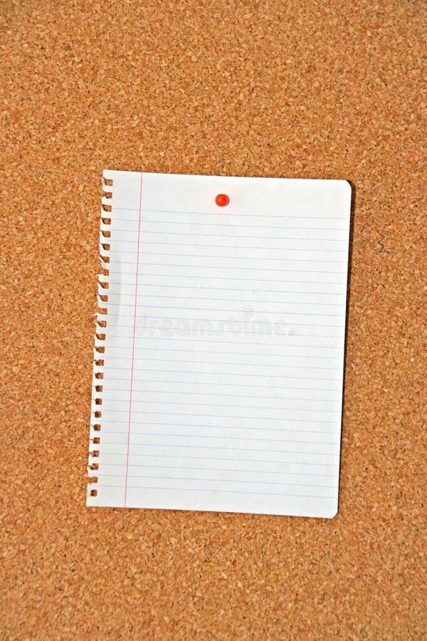 Download Documento Nella Scheda Del Sughero Fotografia Stock - Immagine di messaggio, struttura: 3883572