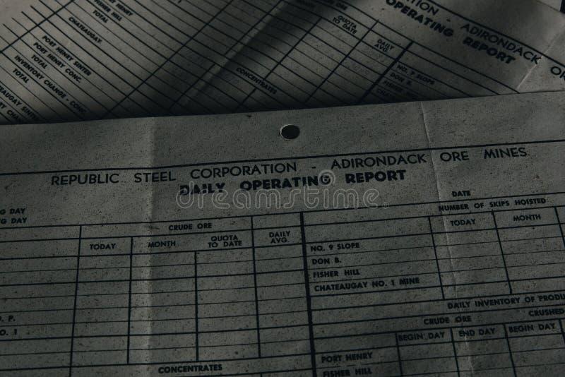 Documento rejeitado - fábrica & mina abandonadas de processamento do ferro - New York imagens de stock royalty free