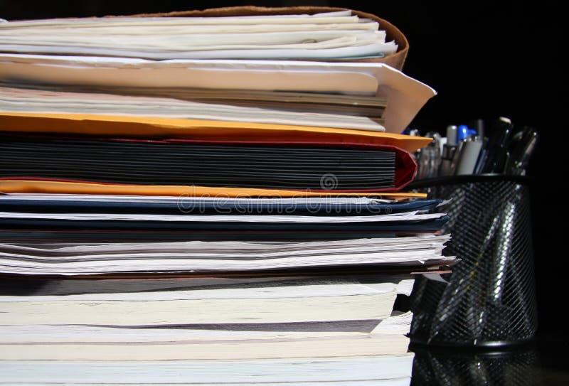 Documents sur le bureau image libre de droits