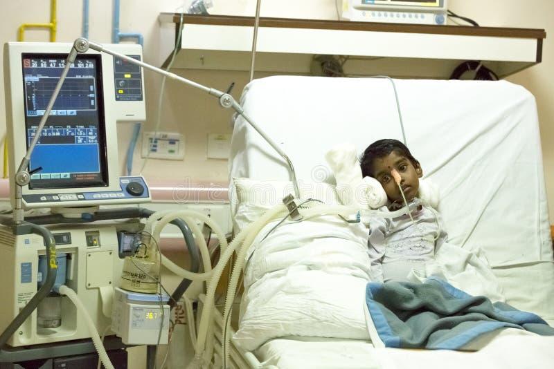 Documetary社论 本地治里市Jipmer医院,印度- 2014年6月1日 关于患者和他们的家庭的充分的记录片 Documetar 库存图片