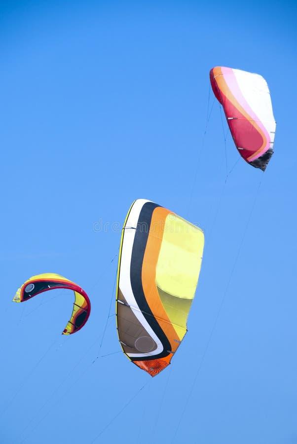 dodaje colour kani kitesurfers fotografia stock