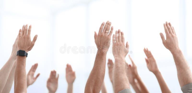 dodatkowy interesu format tło biznesowi drużyna stojaki z ich rękami up fotografia royalty free