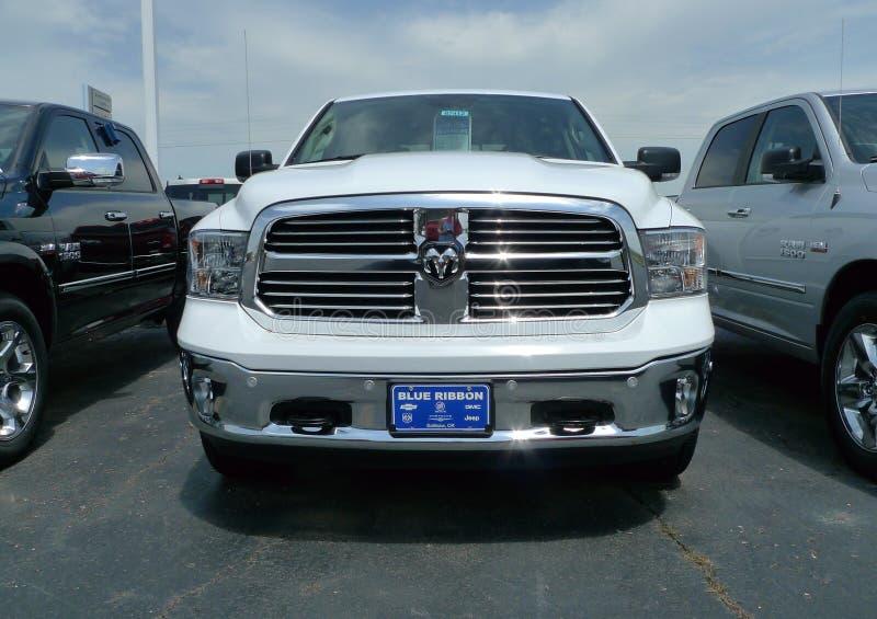 2016 Dodge baranu Pickup frontowy widok zdjęcia stock