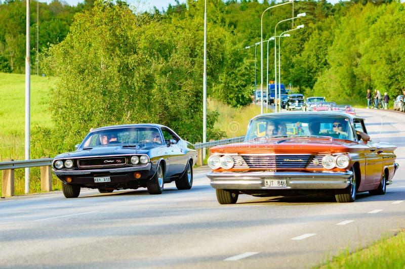 Dodge och Pontiac royaltyfria foton