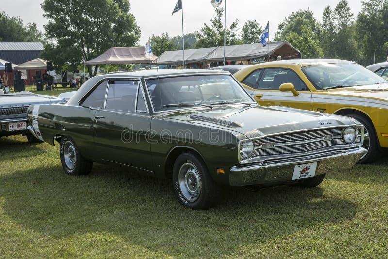Dodge-Pfeil lizenzfreie stockfotos